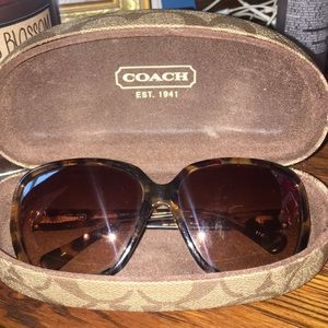 Coach sunglasses 🕶